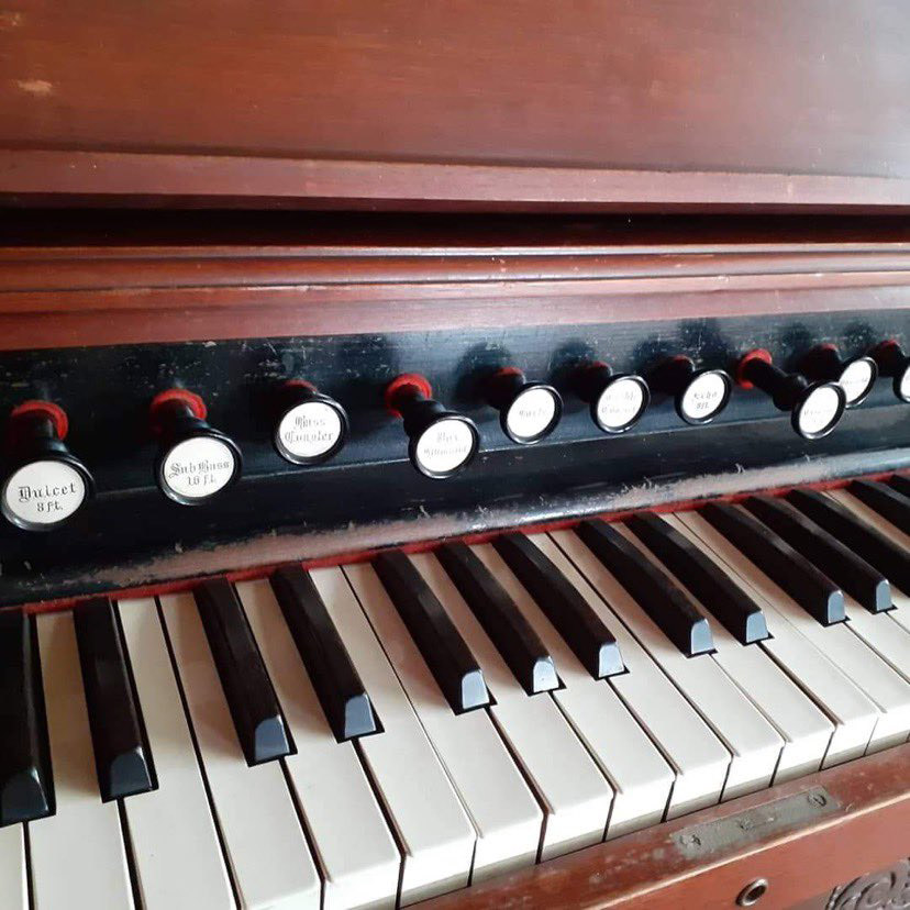 Supporting image for Victorian Pump Organ