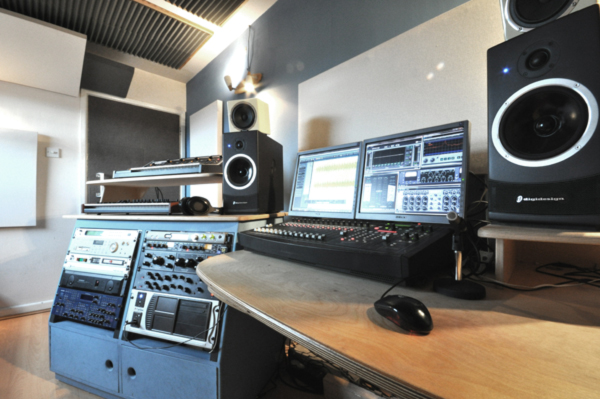 Image supporting Studio 2 - Live Room